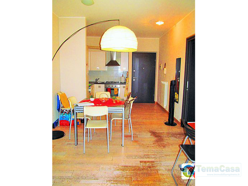 Pineto villa ardente appartamento con garage arredato for Appartamento sul garage